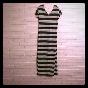 Banana Republic Striped Maxi Dress Size Small
